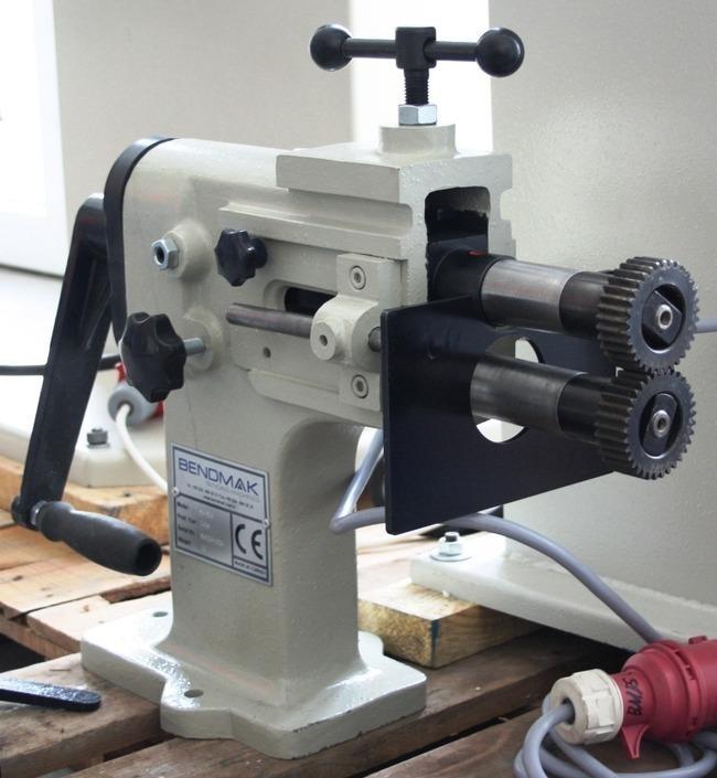 manuelle Sickenmaschine BENDMAK SM 125 Manual