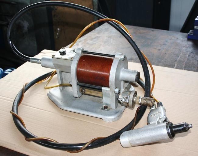 Hydraulisch - pneumatische Nietpistole Titgemeyer TT
